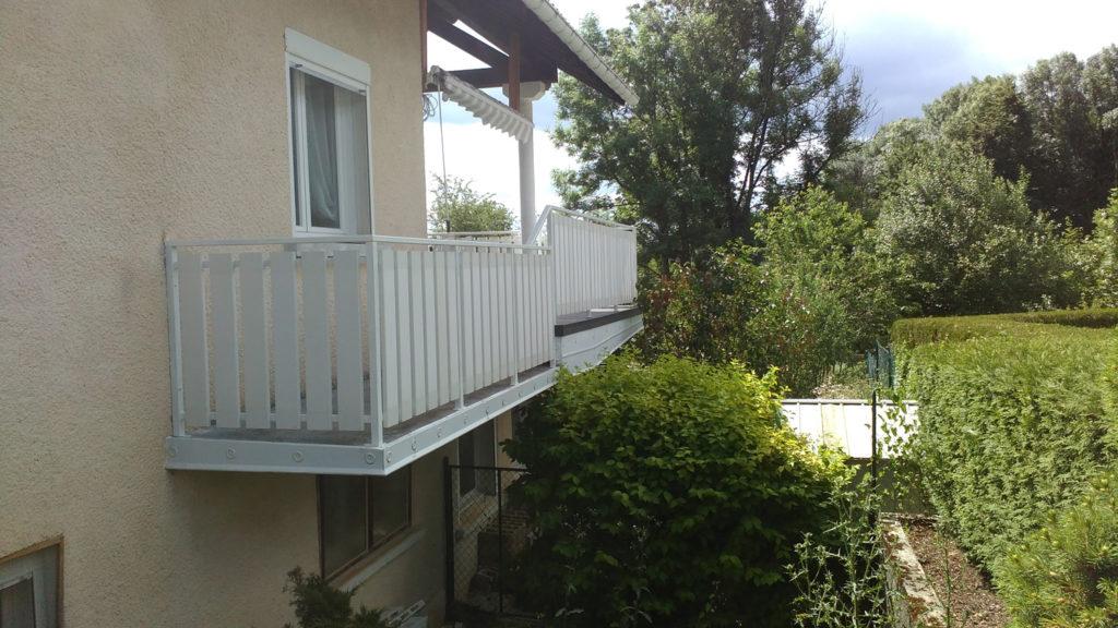 garde corp balcon en aluminium